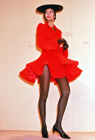 Фото №7 - Король футуризма: модные изобретения Пьера Кардена