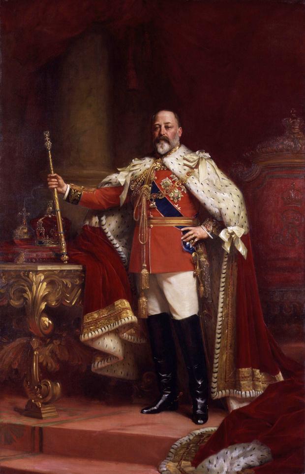 Фото №2 - «Стул для любви», сделанный специально для будущего короля Англии в 1890 году