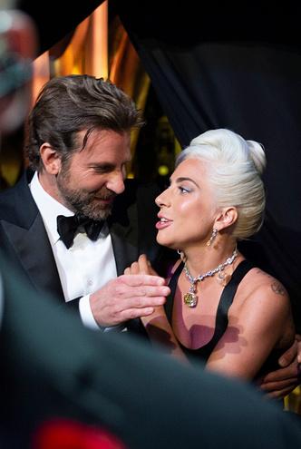 Фото №6 - Шейк, Купер, Гага: любовный треугольник на «Оскаре»