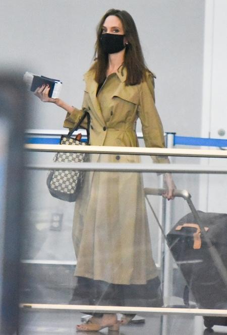 Анджелина Джоли в Нью-Йорке