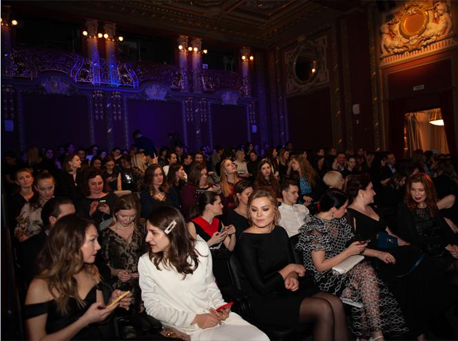 Фото №3 - Самая красивая вечеринка года: журнал Marie Claire вручил награду лучшим бьюти-средствам 2019