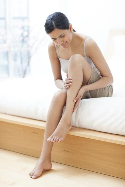 хрустят суставы на ногах