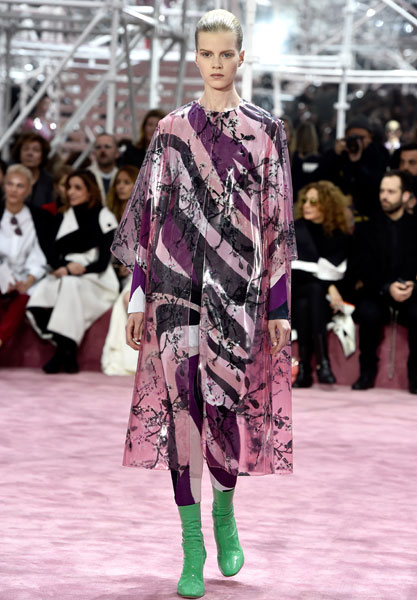 Фото №1 - В Париже прошел кутюрный показ Dior