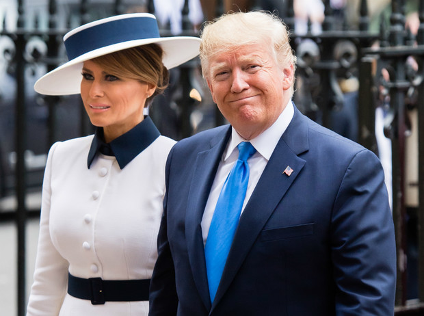Фото №1 - Дары Трампа: что президент США преподнес Королеве и принцу Филиппу