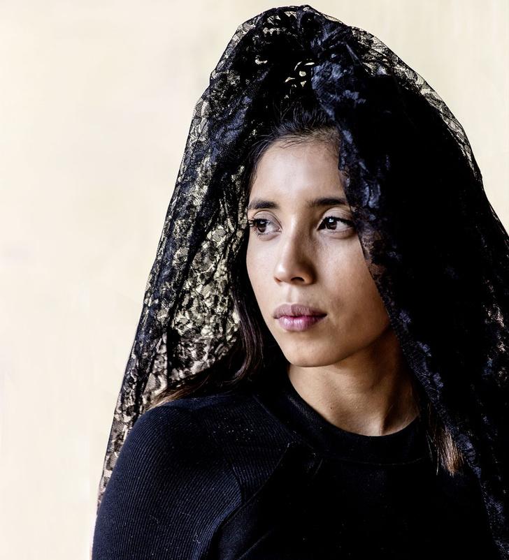 Фото №1 - Мисс мира: Мексика. Черная корона