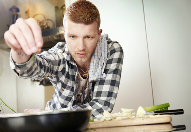 Фото №1 - Что значит, если мужчина вдруг полюбил готовить