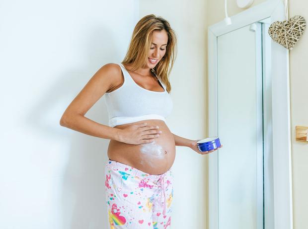 Фото №1 - Как правильно ухаживать за кожей во время беременности