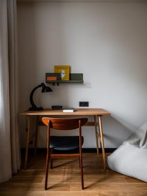 Фото №14 - Квартира с винтажной и дизайнерской мебелью в сталинке
