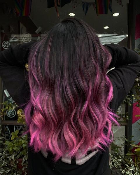 Фото №9 - Как красить волосы в розовый в 2021 году: 8 модных идей