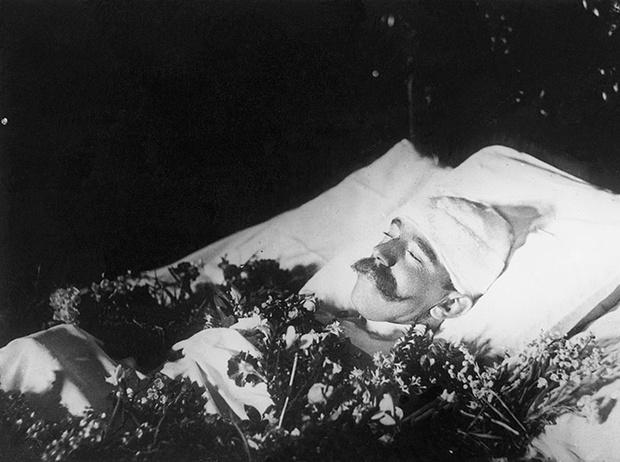 Фото №11 - Майерлингская трагедия: любовь и смерть кронпринца Рудольфа и баронессы Марии