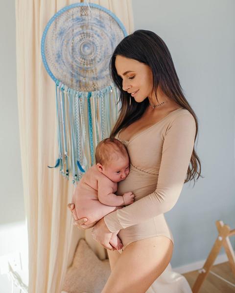 Фото №2 - «Короткий язычок»: у сына Саши Зверевой серьезные проблемы с грудным вскармливанием