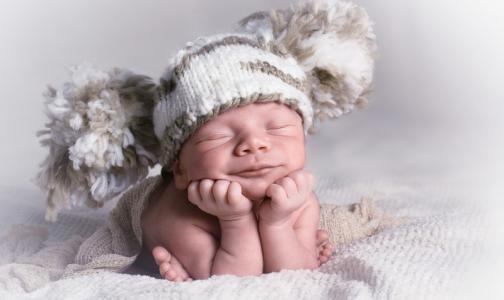 Фото №1 - Петербургский юрист: введение ГОСТа для фотосессий новорожденных приведет к коррупции и СПИДофобии