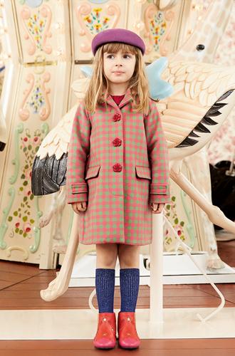 Фото №1 - Золотая карусель: лукбук осенне-зимней детской коллекции Gucci 2016/17
