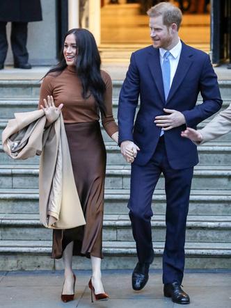 Фото №20 - От Елизаветы II до герцогини Кейт: любимые обувные бренды королевские особ