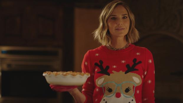 Фото №1 - 7 классных рождественских свитеров, в которых тебе захочется провести все каникулы