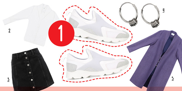 Фото №5 - 5 способов носить белые кроссовки