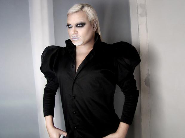 Фото №1 - Гламурный исполнитель скандального хита Mrazish Азис изменился до неузнаваемости