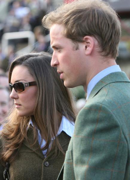 Фото №16 - Кейт Миддлтон и принц Уильям отмечают юбилей семейной жизни: как развивался роман самой обсуждаемой пары