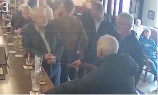 Конор Магрегор ударил посетителя паба, отказавшегося попробовать его виски (видео)