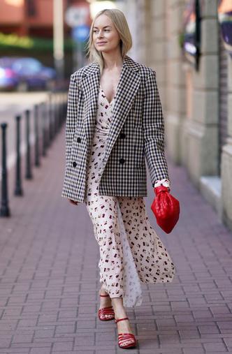 Фото №4 - Анти-оверсайз: как носить облегающие вещи и выглядеть стильно