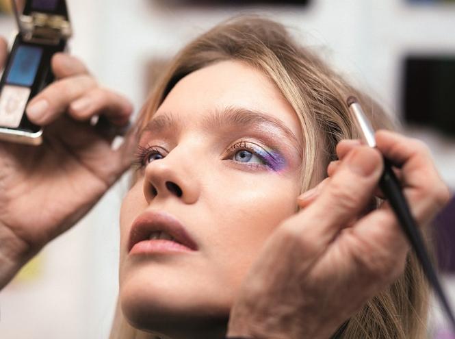 Фото №4 - Как повторить праздничный макияж Натальи Водяновой от Guerlain