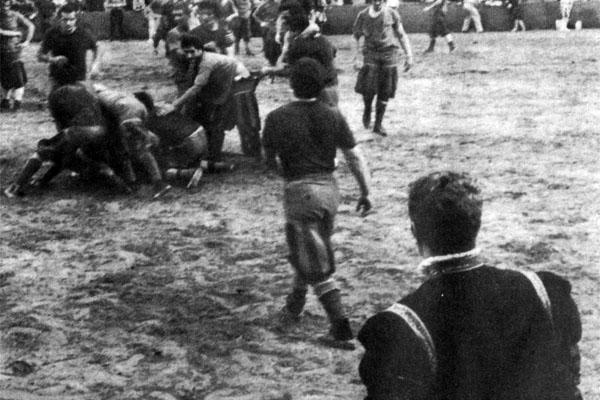 Фото №1 - Футбол по-флорентийски