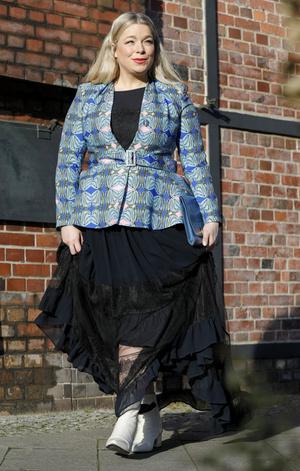 Фото №6 - Как одеваться полной женщине маленького роста