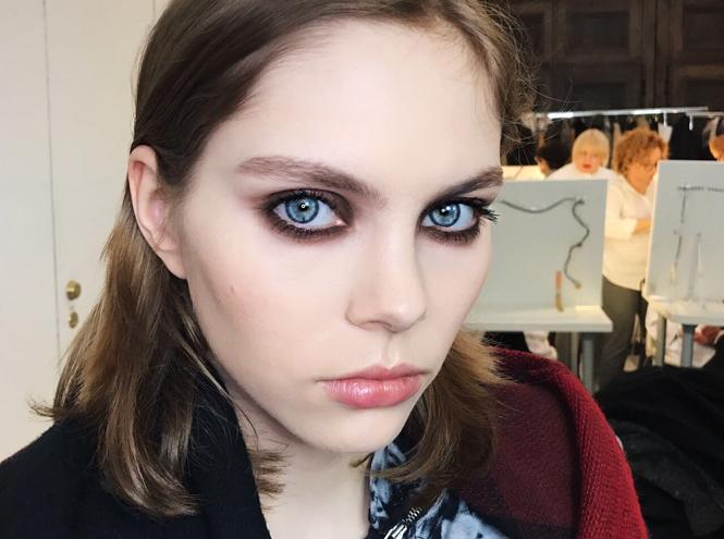 Фото №2 - Как повторить макияж от Елены Крыгиной с показа Александра Терехова