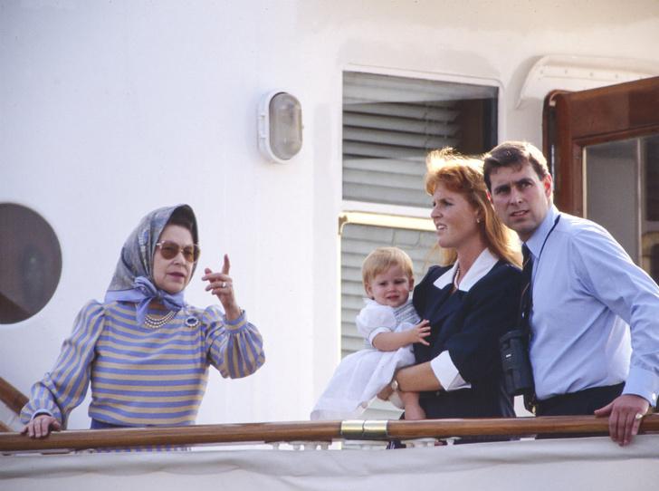 Фото №2 - Как родители хотели назвать принцессу Беатрис, и почему Королева запретила это имя