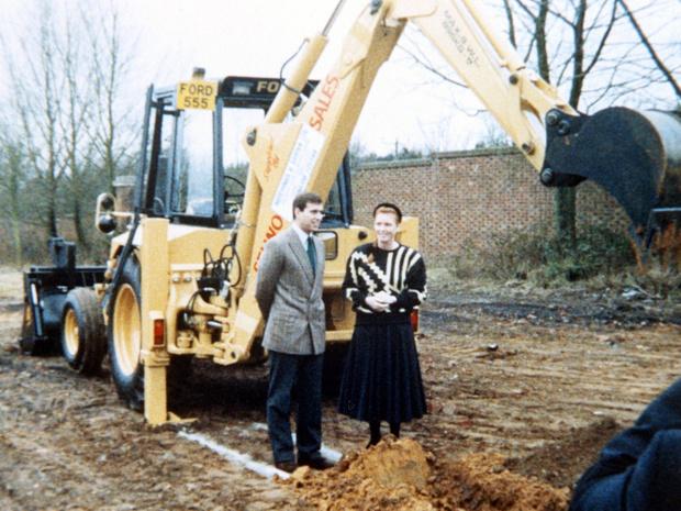 Фото №3 - Подарок Королевы любимому сыну: как выглядела резиденция Йоркских и почему ее пришлось снести