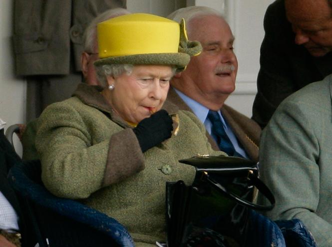 Фото №31 - Королева и помада: история одной бьюти-страсти Елизаветы II