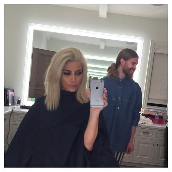 Фото №1 - ОМГ: Ким Кардашьян стала блондинкой!
