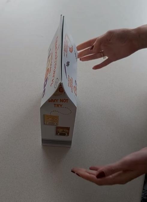 Фото №7 - Британка предложила лайфхак, как правильно закрывать коробки с крупами и хлопьями. Видео набрало 3,5 миллиона просмотров