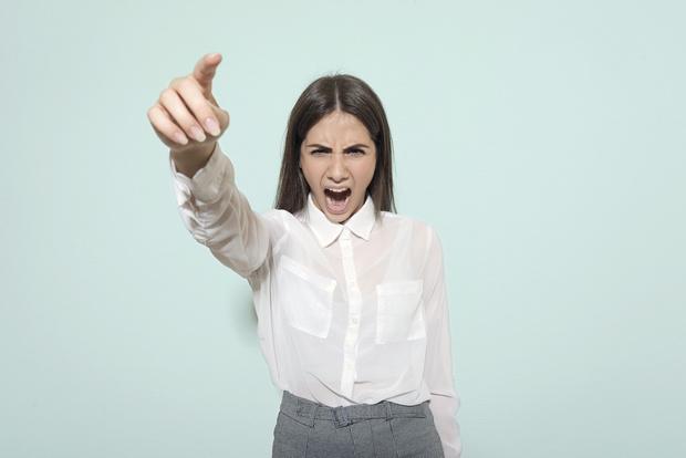 Фото №2 - Говори уверенно: 6 способов выработать командный голос