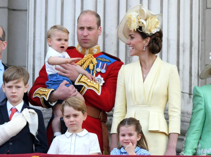 Фото №1 - Самые милые Высочества: редкое видео с Джорджем, Шарлоттой и Луи стало вирусным