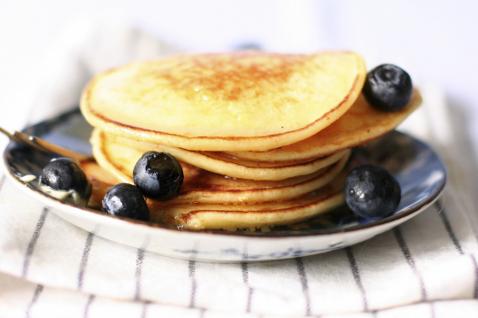 Фото №1 - Оладьи на воде — легкий завтрак или диетический ланч