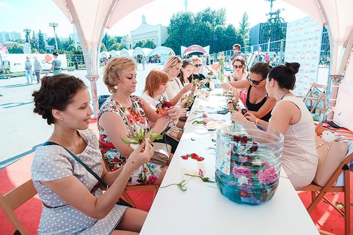 Фото №2 - Журнал «Домашний очаг» отметил юбилей в России