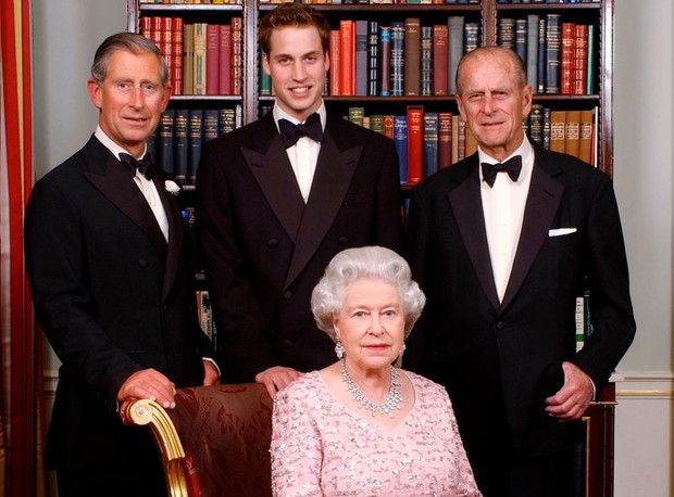 Фото №1 - Кто будет стоять рядом с Елизаветой II на публичных мероприятиях вместо принца Филиппа
