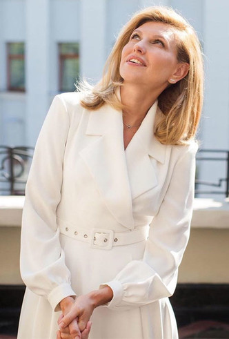 Фото №17 - Леди Зеленская: как одевается супруга президента Украины