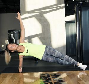 Фото №2 - 5 минут в день: упражнения на внутреннюю поверхность бедра