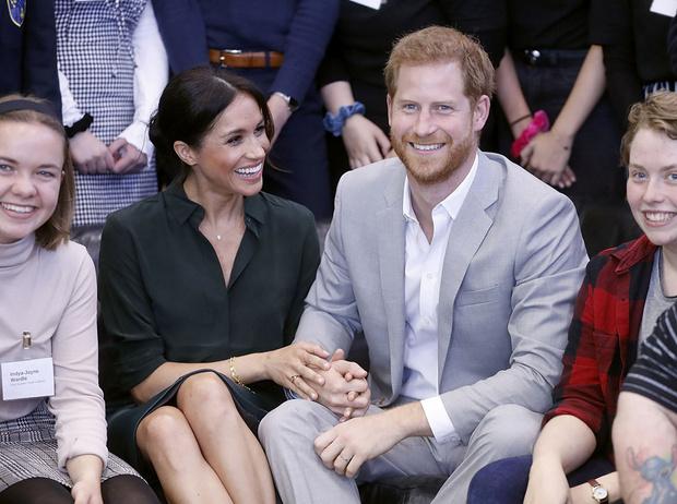Фото №2 - Гарри и Меган – самая нежная королевская пара Великобритании