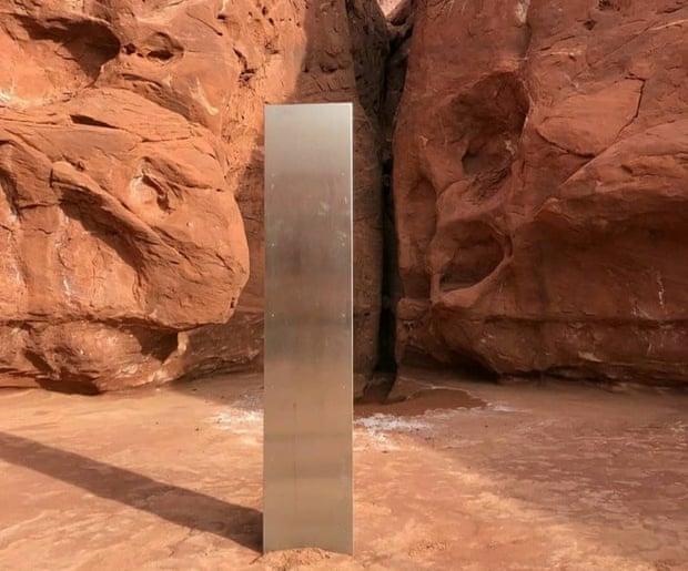 Фото №2 - В американском каньоне нашли огромный металлический столб: никто не знает, что это такое и как там появилось (видео)