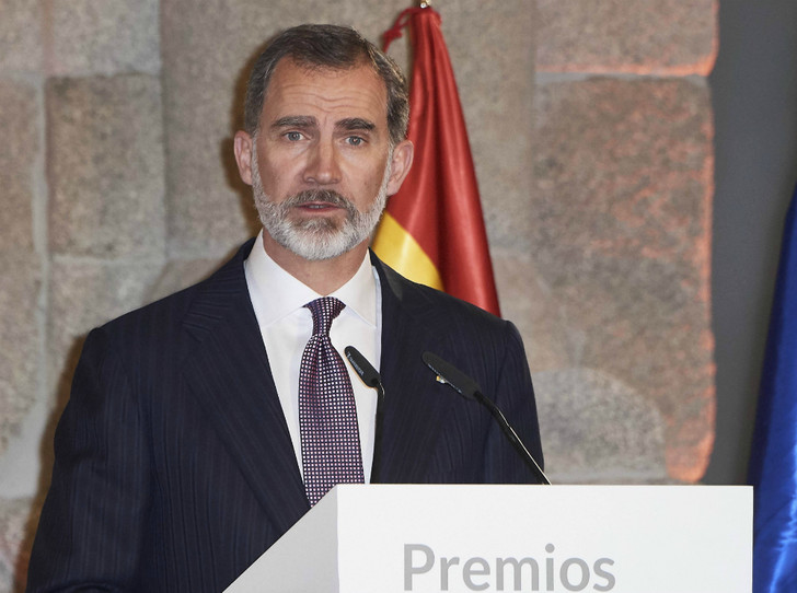 Фото №1 - От короля Испании требуют извинений