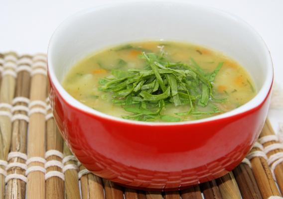Фото №1 - Суп из щавеля и крапивы: польза самой природы