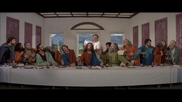 Фото №1 - Шутники переводят Тору и Библию на язык новостных заголовков