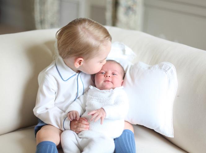 Фото №4 - Кейт Миддлтон сделала первые фото принцессы Шарлотты