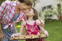 Как правильно хвалить ребенка: 12 важных правил