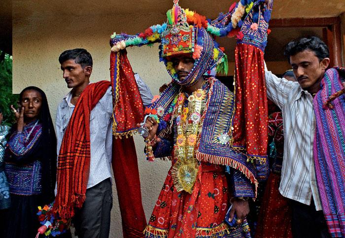 Фото №7 - Священные цепи: репортаж с цыганской свадьбы