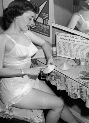 Нижнее белье, 1949 год.