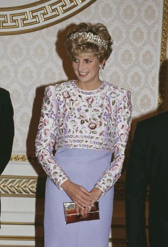 Фото №10 - Никто не идеален: самые неудачные наряды принцессы Дианы